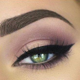 7ce64116c4e5c6f9aaac682effad17d9--green-eyes-pop-makeup-makeup-ideas-for-prom-green-eyes