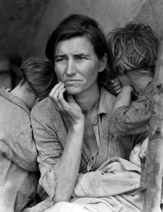 Iconic Photograph of a woman and her seven children during the Great Depression - Dorothea Lange